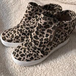 Leopard wedge sneaker